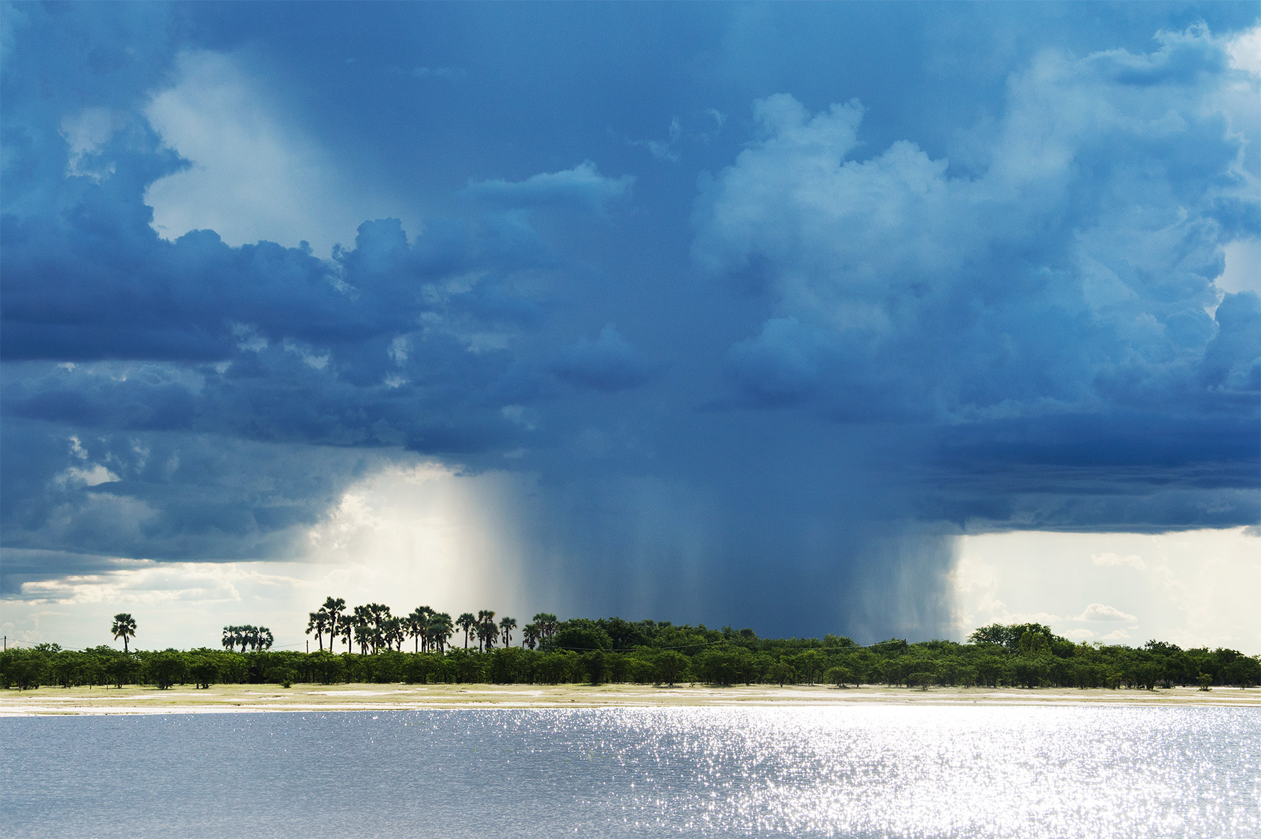 Landschaft in der Regenzeit von Namibia, Bild aus Afrika erhältlich im Onlineshop