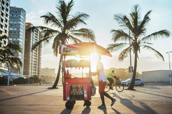 Auf der Promenade von Durban, Bild aus Afrika erhältlich im Onlineshop