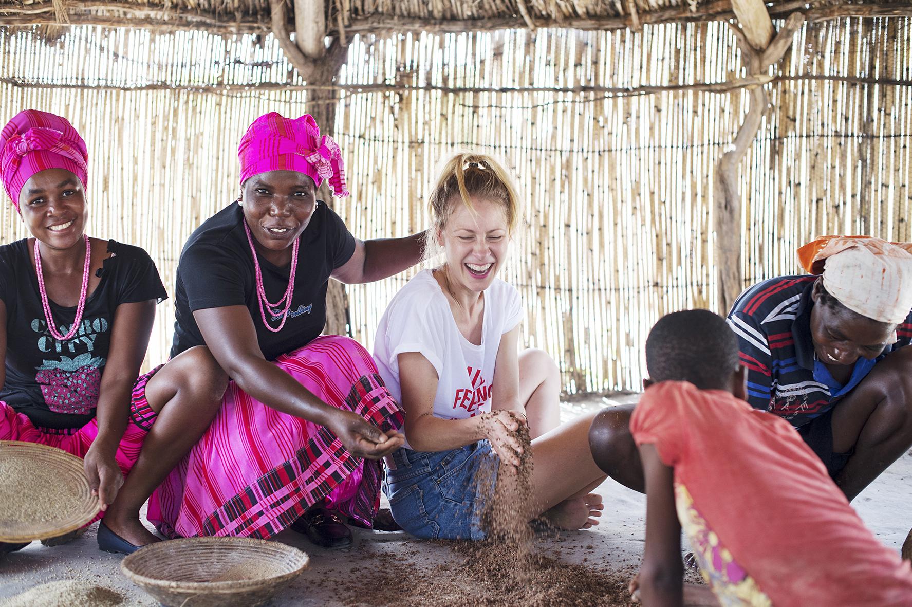 Maria Schiffer kocht mit Ovambo Volk in Nambia für ihr Buch Eating with Africa