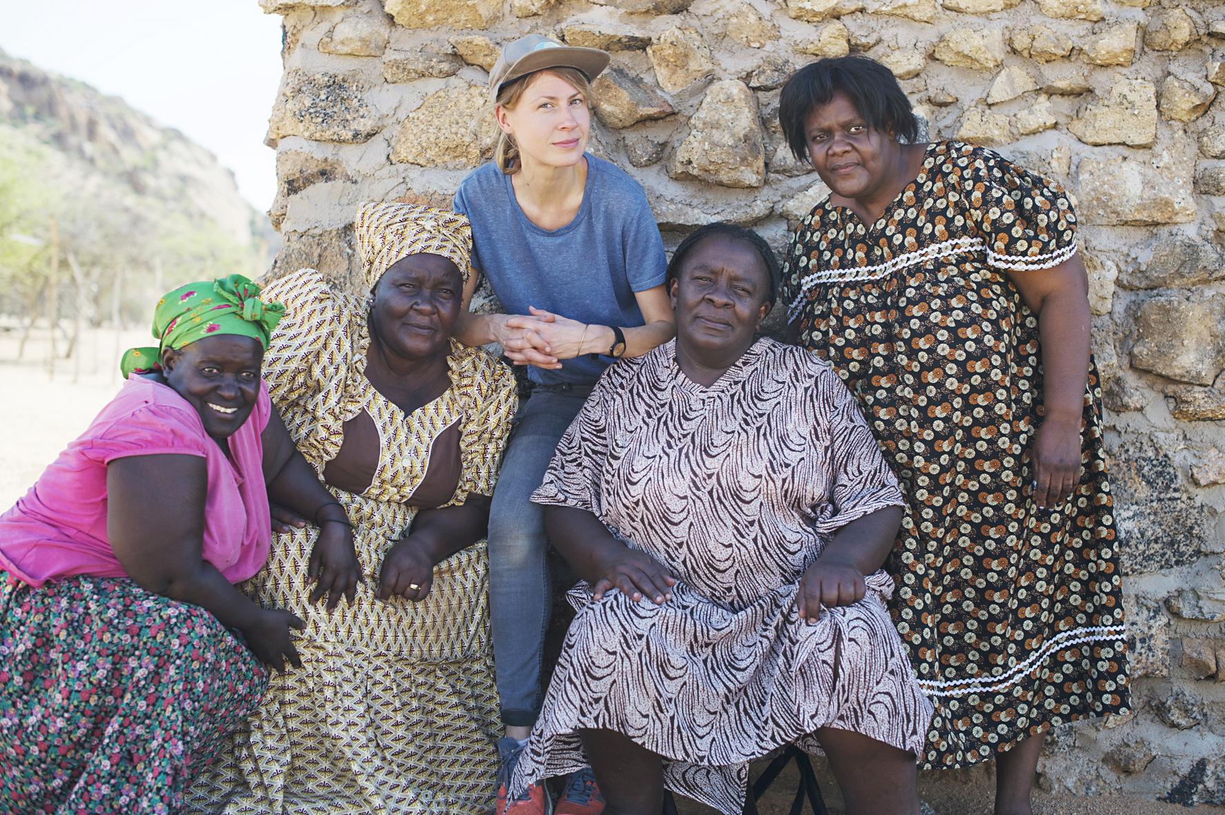 Autorin und Fotografin Maria Schiffer in Namibia für das Buch Eating with Africa